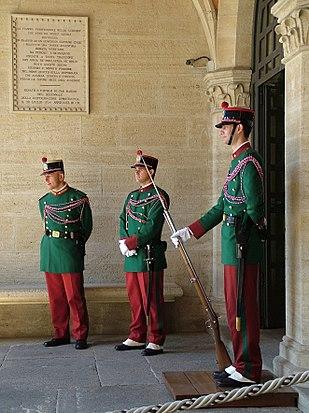 310px-Guardia_di_Rocca_al_Palazzo_Pubblico_San_Marino